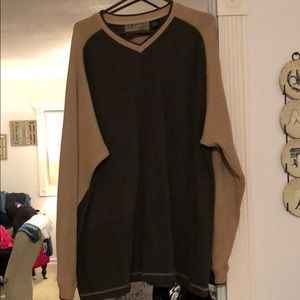 Other - Green and beige sweater XL